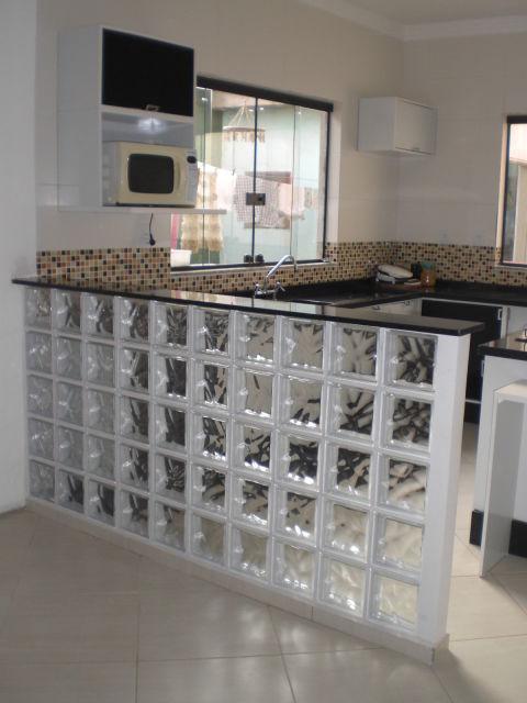 Tijolo de vidro modelos, preços e como usar na decoração! -> Banheiro Decorado Com Bloco De Vidro