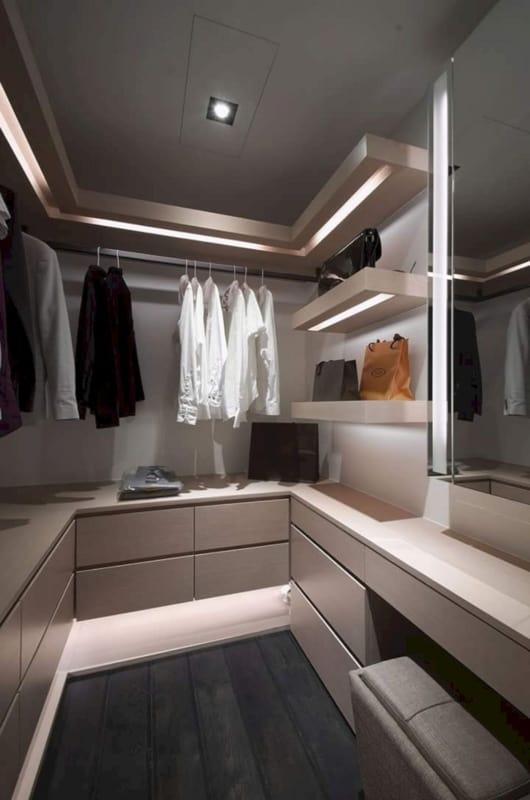 Closet moderno minimalista na cor fendi