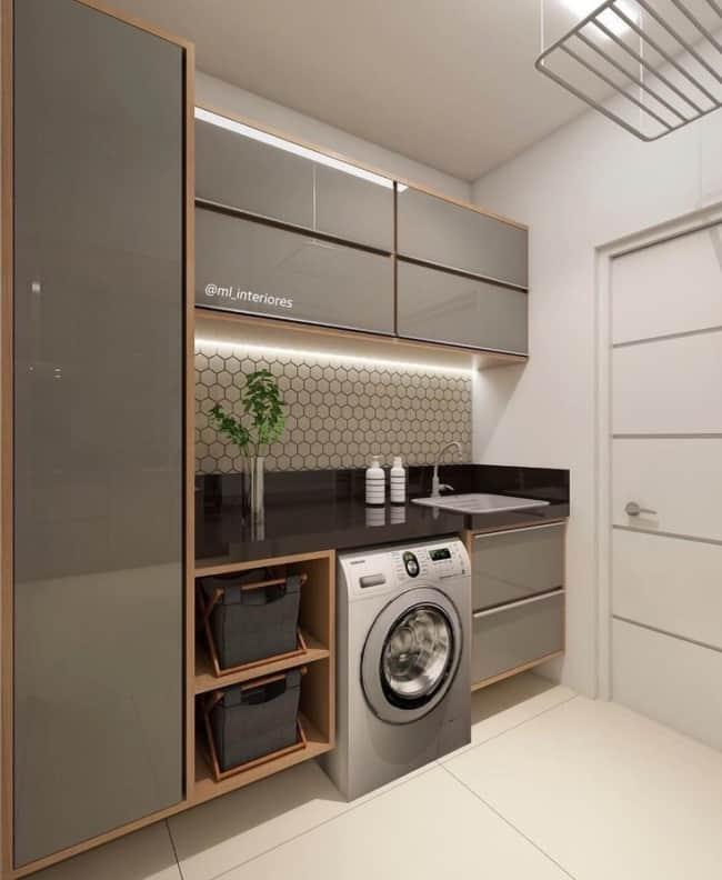 Projeto de lavanderia moderna com móveis planejados fendi com textura laqueada