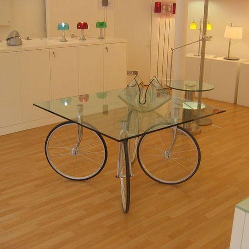 mesa de jantar com pneu bicicleta