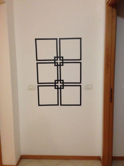 decoração com fita isolante geometrica
