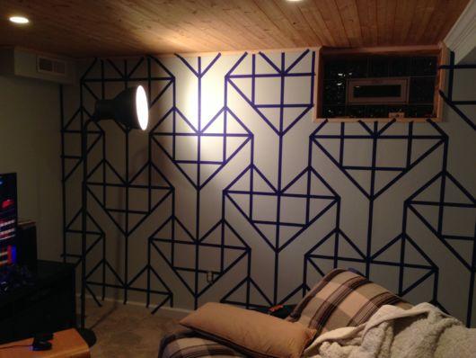 decoração com fita isolante geometrico