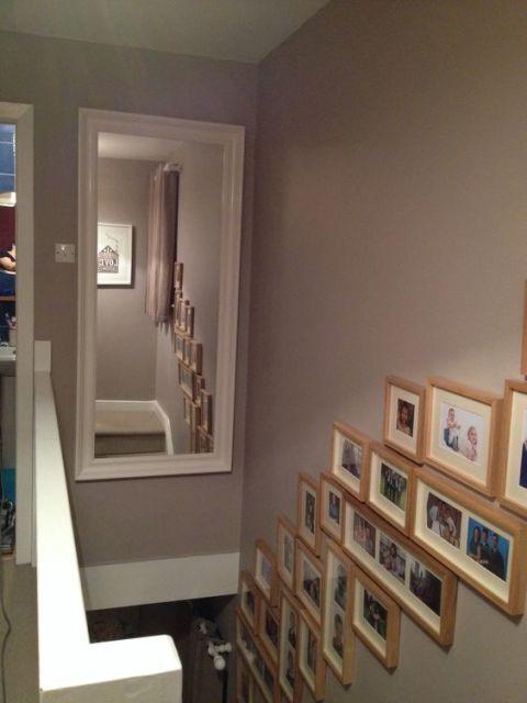 decoração de escada espelhos em cima