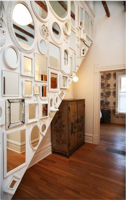 decoração de escada espelhos
