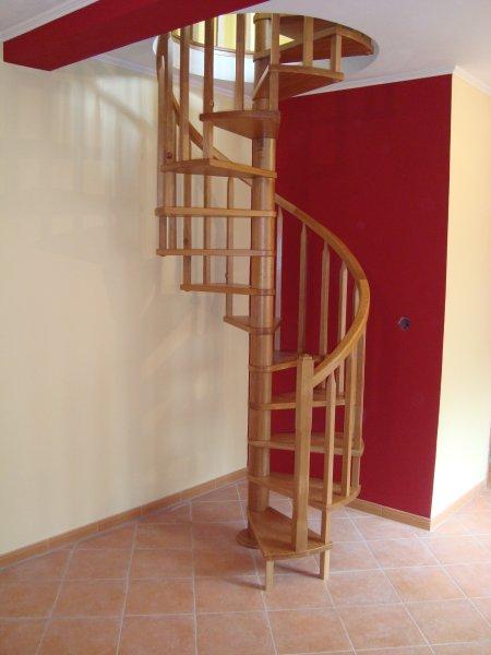 escada madeira clássica
