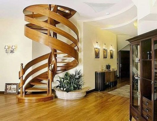 escada moderna madeira