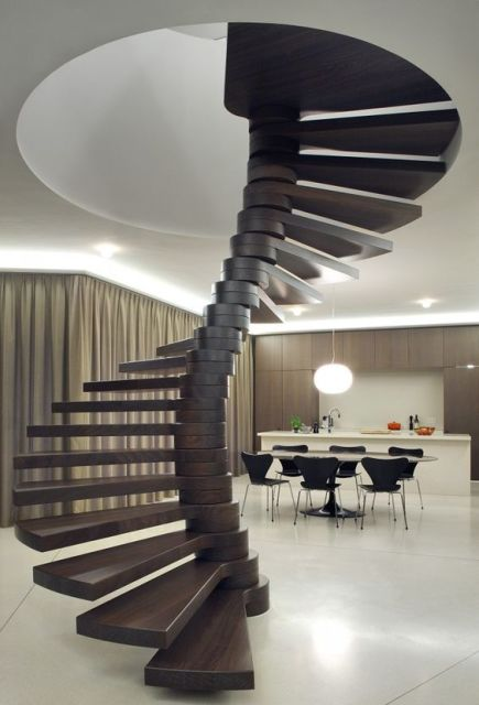 madeira moderna