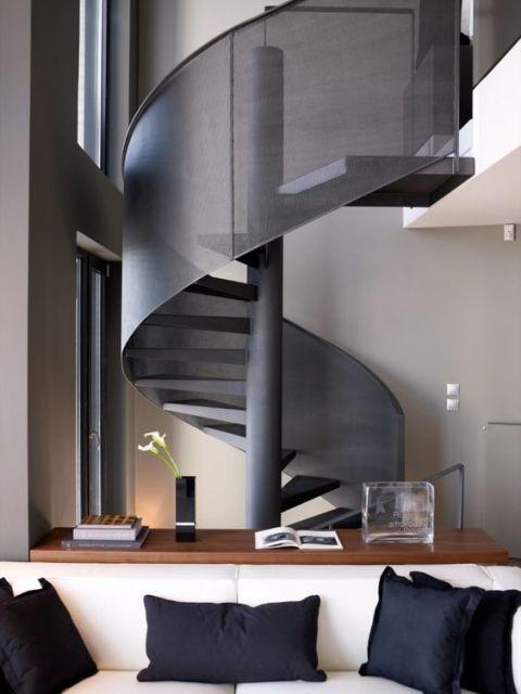 escada caracol cinza