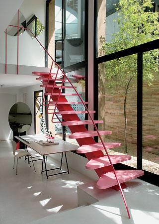 escada rosa decoração