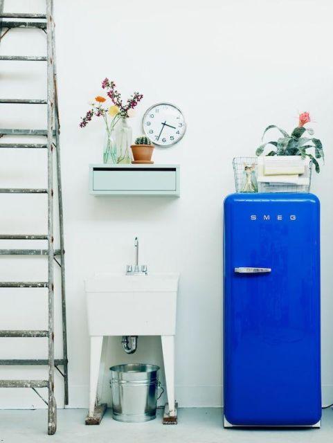 geladeira colorida azul royal