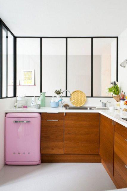 geladeira colorida frigobar rosa