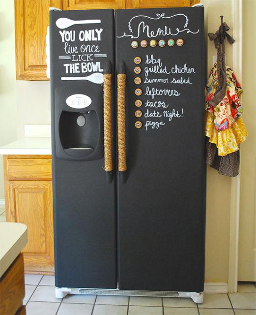 geladeira colorida pintada de preto