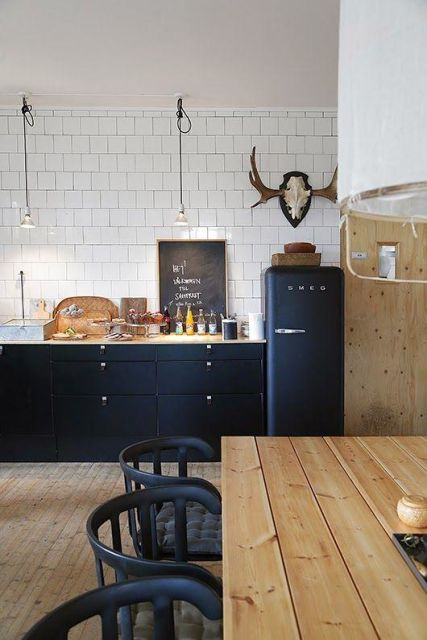 geladeira colorida preta