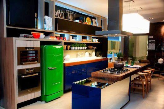 geladeira colorida verde mata