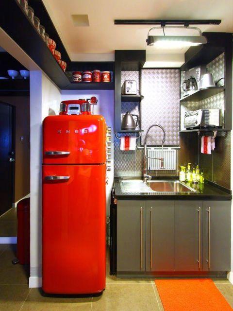 geladeira colorida vermelhão