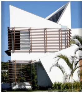 fachada moderna com grade