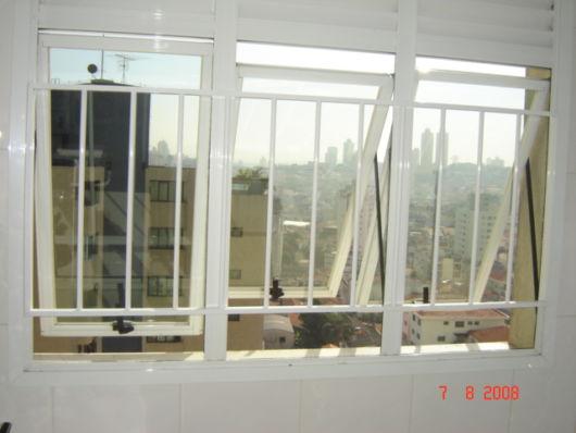 grade interna janela basculante
