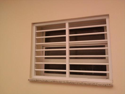 grade externa janela basculante