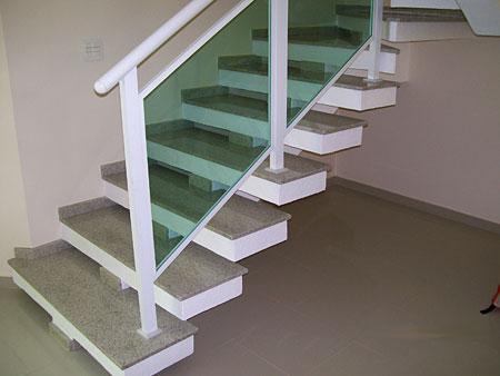 escada de granito ocre itabira