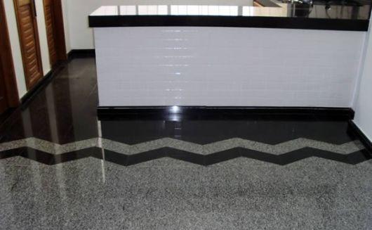 piso granito preto e cinza