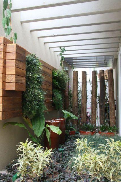 jardim de inverno em quarto de casal pergolado plantas