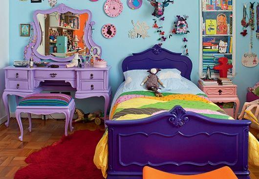 móveis coloridos estilo quarto