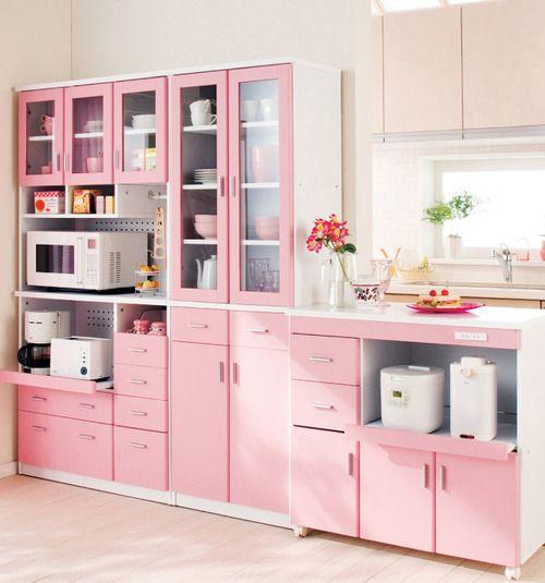 móveis coloridos rosa