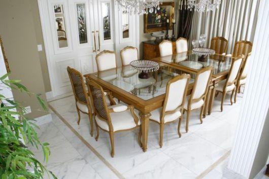 piso mármore