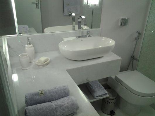 bancada em L banheiro