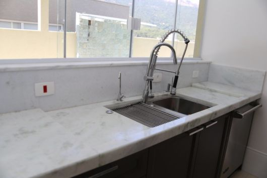 Mármore branco tipos, preços e projetos! # Bancada De Cozinha Marmore Branco