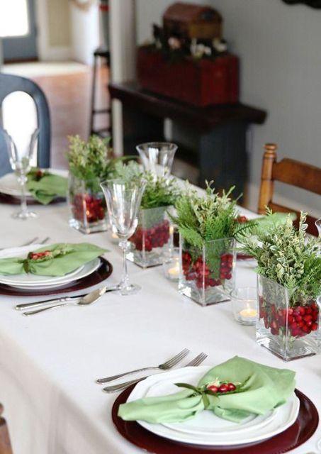 mesa de natal centro de mesa verde e vermelho