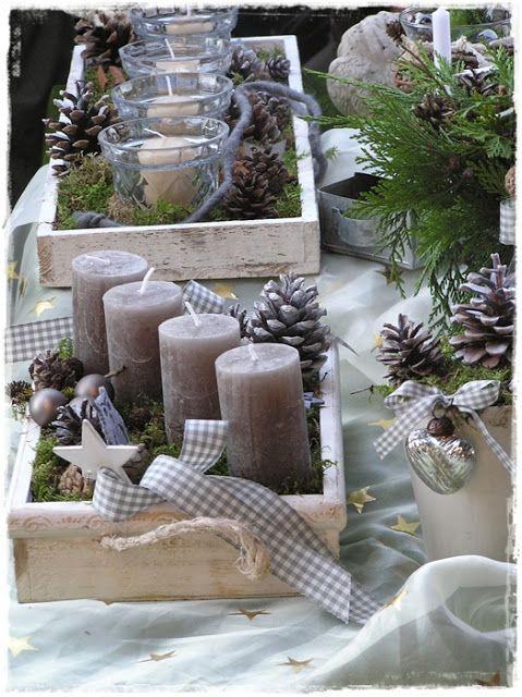 mesa de natal com velas com canela centro de mesa