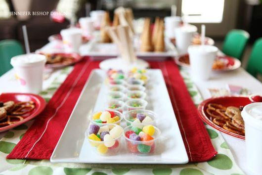 mesa de natal de doces jujubas