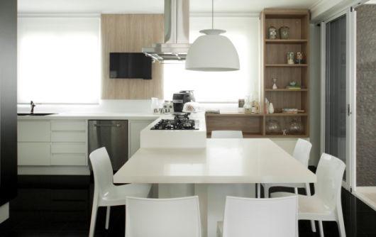 cozinha ampla planejada