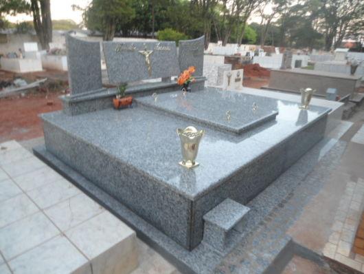 modelos de túmulos - de granito