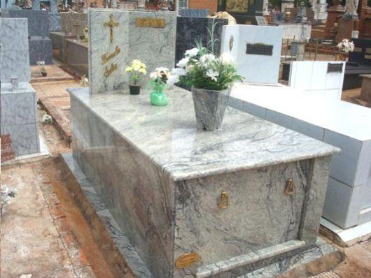 modelos de túmulos em mármore