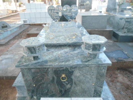 modelos de túmulos - granito coração
