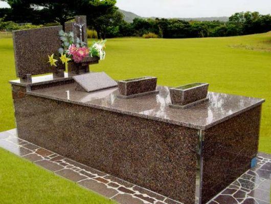 modelos de túmulos individual de granito