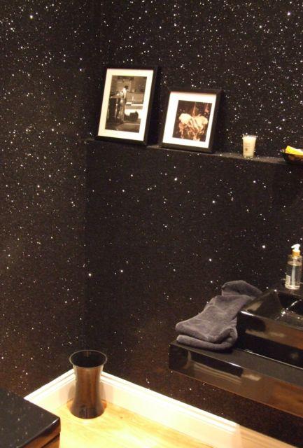parede preta com glitter