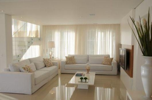 sofá branco sala