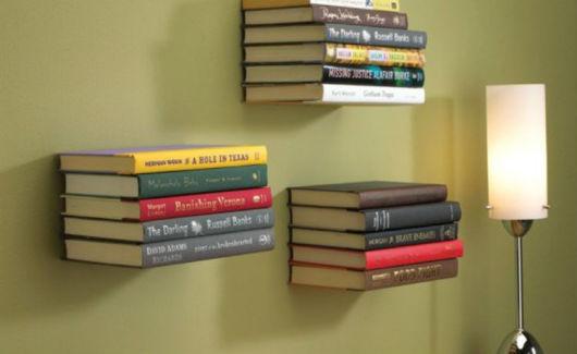 prateleira invisível para livros