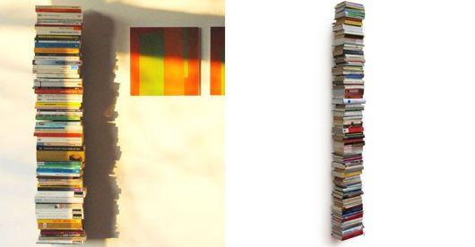 prateleira invisível pilha de livros