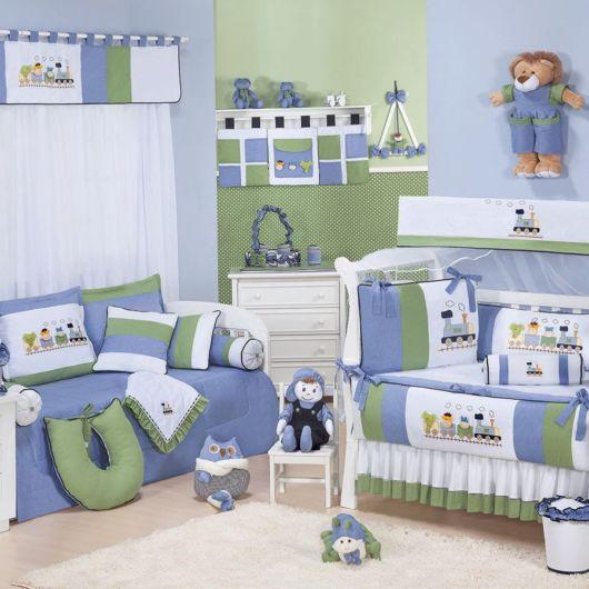 quarto de bebê azul e verde