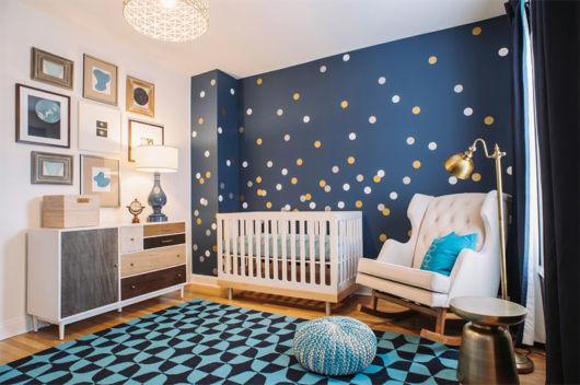 quarto de bebê azul moderno