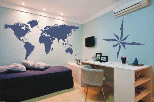 parede azul clara