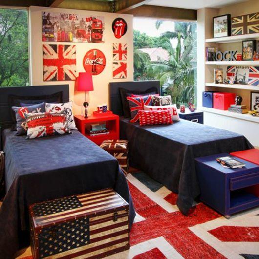 decoração azul e vermelha