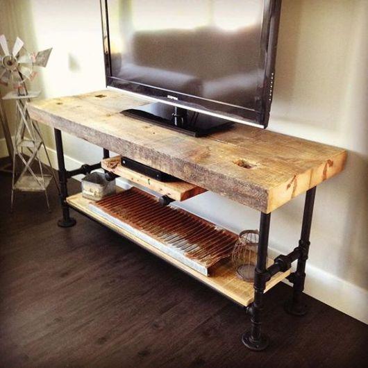 rack de madeira rústico pequeno