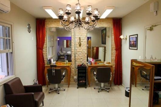 salão de beleza pequeno decorado antigo