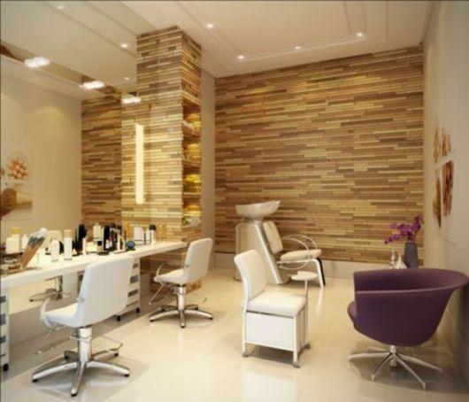 salão de beleza pequeno decorado madeira