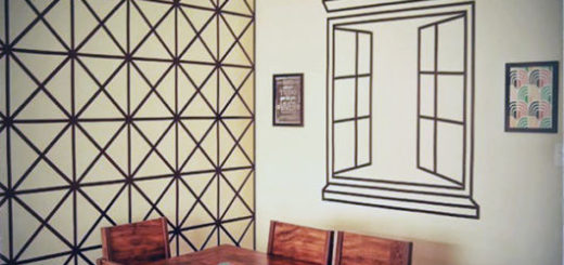 sala decorada com fita isolante